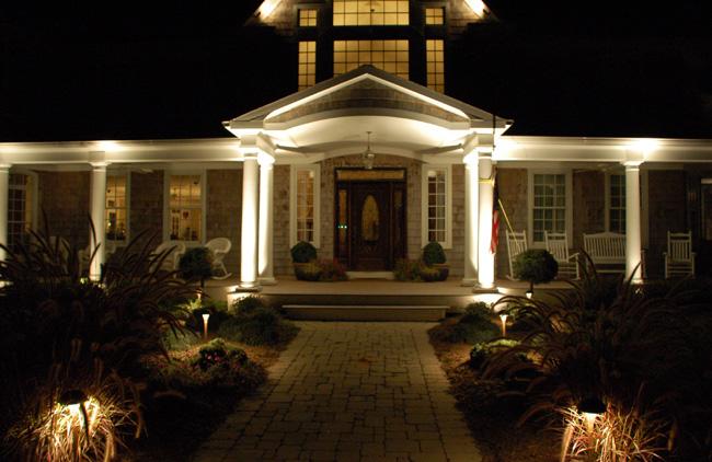 Adjusting Beam Angles For Landscape Lighting Design
