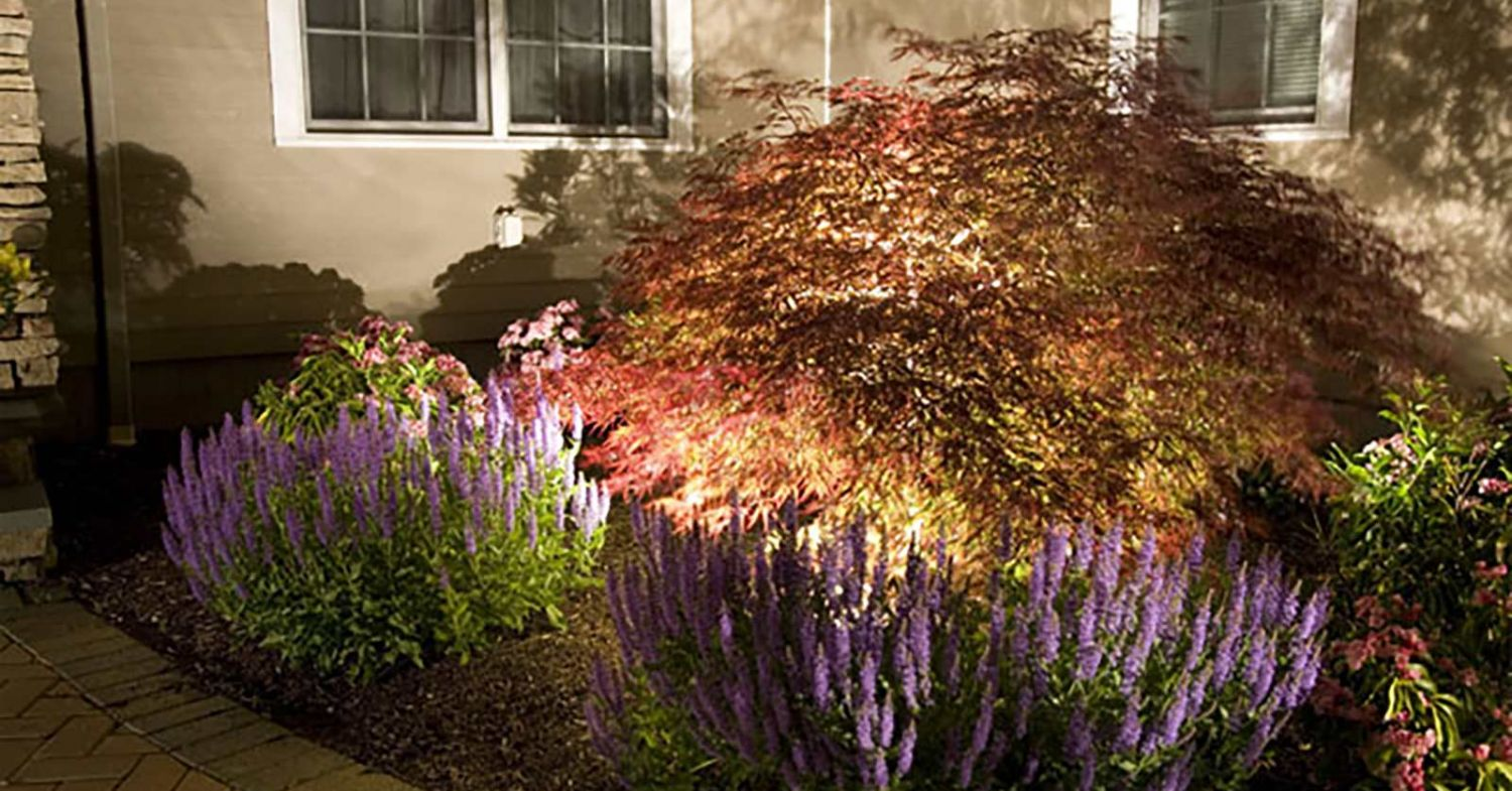 How To Do Landscape And Outdoor Lighting Maintenance Outdoor Landscape Security Solutions Cast Lighting