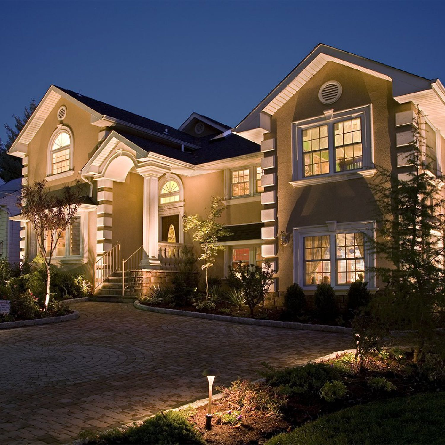 Residential Uplighting Technique